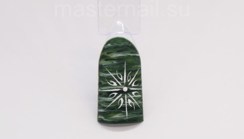 Зеленый маникюр со снежинками: пошаговое фото