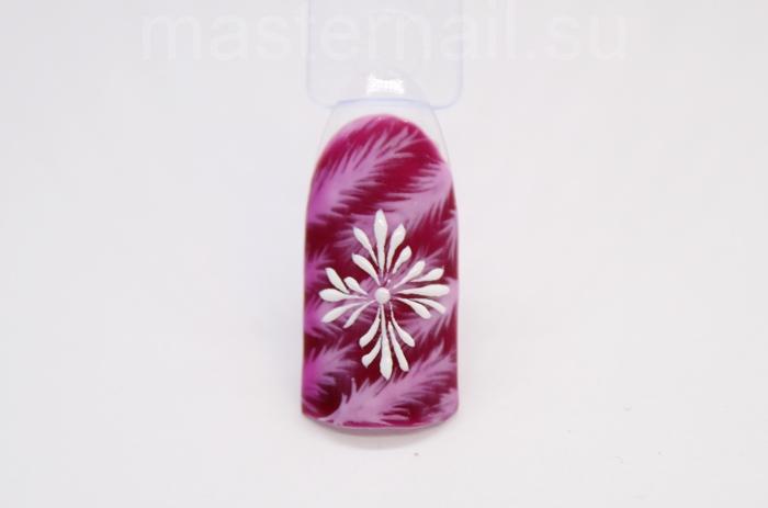 Легкий зимний маникюр с послойным рисунком в оттенке марсала: пошаговое фото